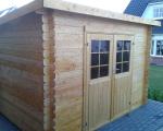 Holz / Gartenhäuser